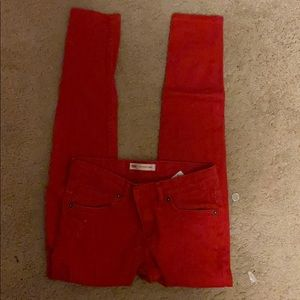 Red LEVIS